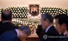 '세계경영' 외친 故 김우중 빈소… 정의선·정용진 등 조문 행렬