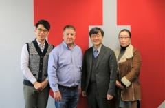 유타대 아시아캠퍼스, 아리랑국제방송 김형곤 센터장에 감사패 전달