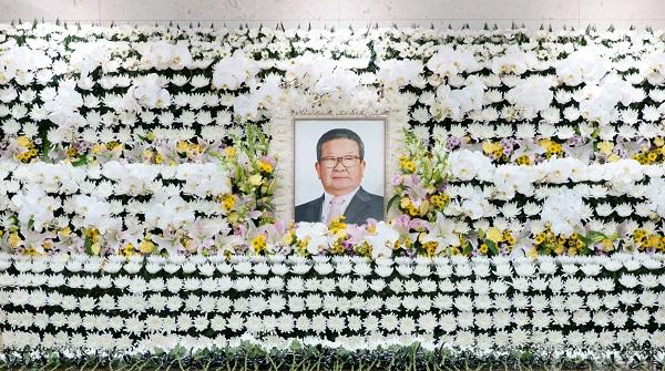 장례 이틀째…허창수·박삼구·정몽준·이재용 등 다녀가
