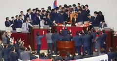 선거법, 본회의 통과…내년 선거, 준연동형 비례제 도입