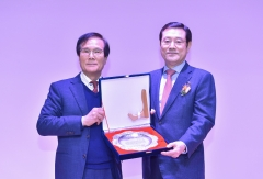이용섭 시장, 광주·전남경제단체연합회 감사패 받아