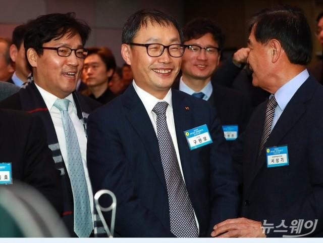 [NW포토]환하게 웃는 구현모 KT CEO 내정자