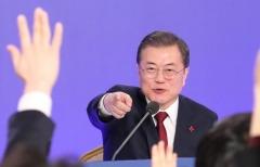 """조국에 """"마음의 빚졌다""""…윤석열에 """"개혁 앞장서길"""""""