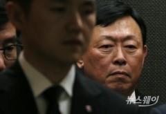 부친 신격호 회장 빈소에서 나오는 신동빈 롯데그룹회장