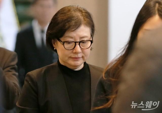 [NW포토]故 신격호 롯데 명예회장의 '샤롯데' 서미경 조문