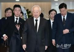 """손경식·박용만 빈소 찾아…""""존경하는 원로 경영인"""""""