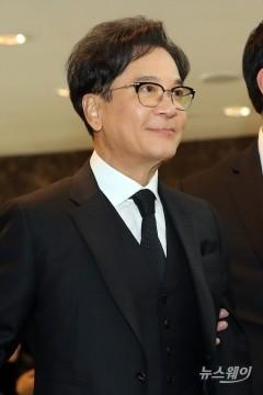 """이재현 CJ 회장 조문…""""거인 잃게 돼 안타깝다"""""""