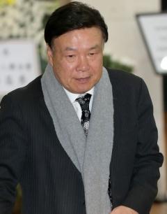 """홍수환 """"소시적 도움 많이 받았다"""""""