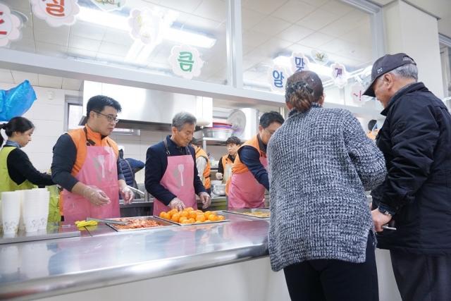 한화시스템, 국가유공자·보훈가족에 명절음식 나눔 봉사
