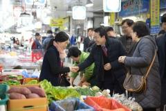 김종식 목포시장, 설 맞아 전통시장 방문