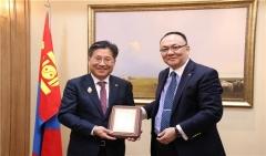 전기공사협회 류재선 회장, 몽골 정부훈장 수상...전기·에너지 분야 교류 기여