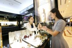 또 중국발 악재···中 의존도 낮추는 화장품 업계
