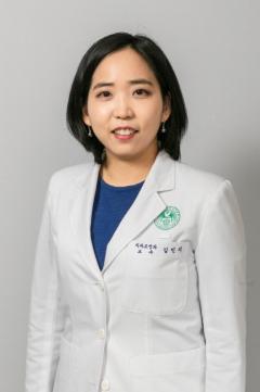 김진우·김민지 이대목동병원 교수팀, 자동안면 진단 프로그램 논문 발표