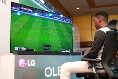 LG전자, 나이지리아서 e-스포츠 대회 개최…'LG 올레드 TV' 우수성 알린다