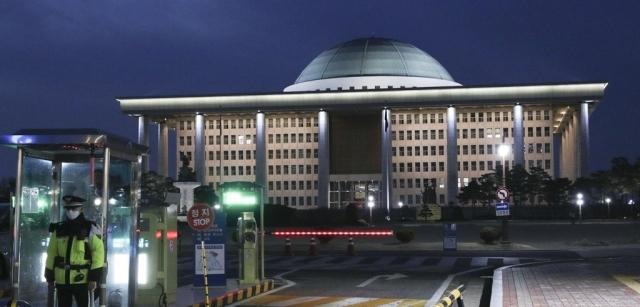 [NW리포트]돌아온 총선···국회의원 보좌진이 사는 법