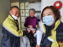 임실읍, 여성의용소방대와 손잡고 마스크 무료 배부