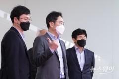 """삼성종합기술원 찾은 이재용 """"어렵고 힘들 때 미래 철저히 준비"""""""