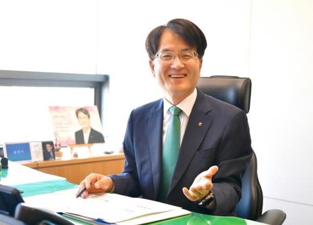 차기 농협금융 회장에 '농협맨' 손병환…두 번째 民 출신 CEO