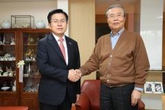 4년 전 더민주 지휘했던 김종인 이번엔 통합당