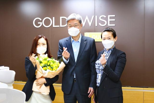 허인 국민은행장, '화훼농가 돕기 릴레이 캠페인' 참여