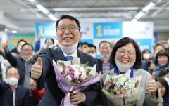 '文의 사람들' 고민정·윤영찬 당선…靑 간판달고 대거 국회진출