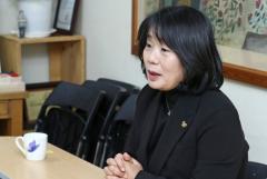 """윤미향 """"사퇴 고려하지 않고 있다"""""""