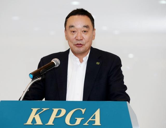 [He is]'SNS 막말'에 두 차례 사과한 구자철 예스코홀딩스 회장은 누구?