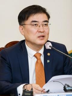 """손병두 """"코로나19 피해기업 금융지원 속도 높여야"""""""