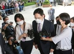 4년째 '사법리스크' 이재용…삼성의 글로벌 영토확장도 올스톱