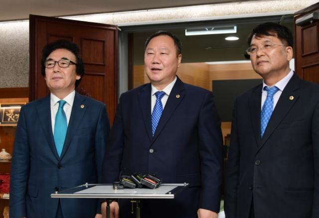 제10대 서울시의회 후반기 의장에 김인호 의원 당선