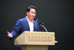 """최태원 SK 회장 """"쌓은 지식 사회에 돌려주는 지성인 돼야"""""""