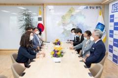 이재명, DMZ국제다큐영화제 이사진 만나…영화제 추진상황 점검