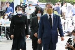 故 박원순 시장 빈소 찾은 열린우리당 '최강욱-김진애'