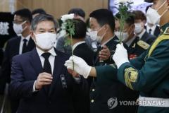 '6·25영웅' 백선엽 빈소에 추모 행렬 이어져…문 대통령 조화 보내