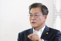 """문대통령 """"8월14일 '택배 없는 날'···재충전 시간 응원해달라"""""""