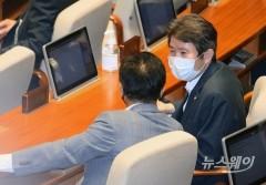 국회 본회의 참석한 통일부 장관 후보자 이인영 의원