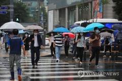 [오늘 날씨]중부 다시 '장마'···남부 '폭염'