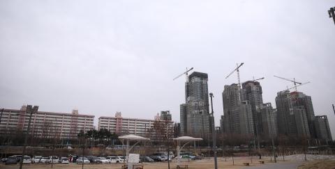 국토부, '강남 현금 기부채납→강북 낙후지역 개발' 추진