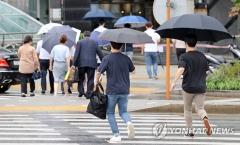 [오늘 날씨]곳곳에 천둥·번개 동반한 소나기···습도↑ 체감온도 올라가