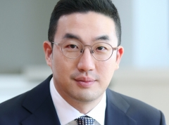 """LG 사장단 첫 화상회의···구광모 """"기존 접근법 깨고, 우리가 바꾸자"""""""