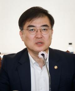 """손병두, 신용대출 폭증 간접 경고…은행권에 """"관련규정 지켜달라"""" 주문"""