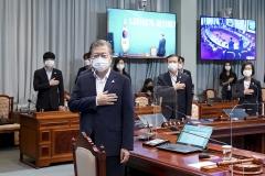 문 대통령 지지율 49.4%…긍정평가 3.3%p 상승