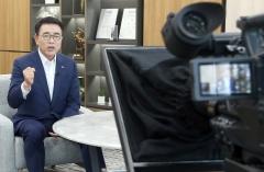 """조용병 신한금융 회장 """"단단한 기반에서 빠른 변화 꾀하자"""""""