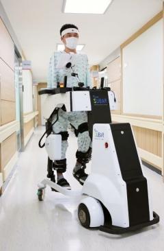 화상 재활에 '웨어러블 로봇' 도입 결과…통증 40% 감소 外