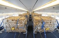 대한항공, 여객기 좌석 떼고 첫 운항···화물 11톤 추가 수송