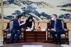 """박남춘 시장-주한 캐나다 대사 """"기후변화 대응에 협력 강화"""" 外"""