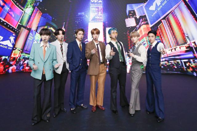 BTS '다이너마이트', 美 빌보드 핫100 1위 복귀