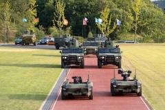 현대로템,국군의 날 행사서 'HR-셰르파' 공개