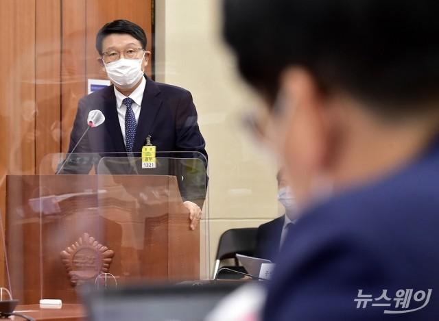 [NW포토]질의에 답하는 장석훈 삼성증권 사장