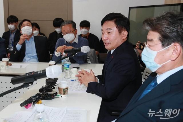 [NW포토]강연하는 원희룡 제주지사